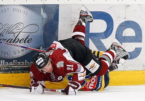 19_Bukarts_vs_MHK_Himik_otra_2011-12-12_HK_Riga_profils_facebook_com